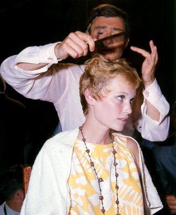 Carrie Rickey 187 Vidal Sassoon Mia Farrow And The Haircut